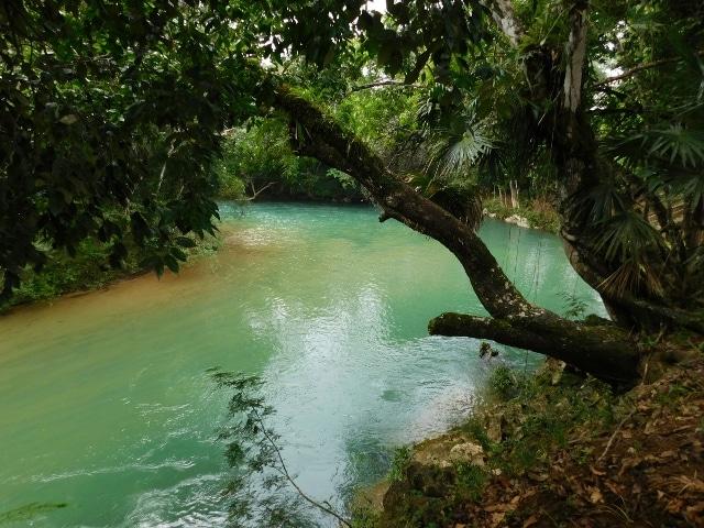 Franks Eddy, Cayo, Belize.