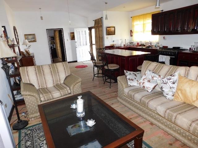 Los Lagos Estate, Ladyville, Belize District